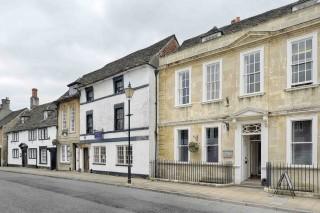 bigstock-St-Mary-Street-Chippenham-194530801